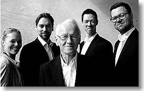 Bent Fabricius-Bjerre er et levende ikon i dansk underholdning holder også foredrag og giver koncerter