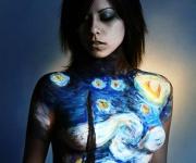 Hvis man har lyst til at prøve noget bodypaint kan kunstneren gøre det på dig, eller selv tage en model med så man kan se hvor fantastisk dette arbejde kan gøres.