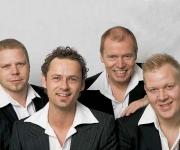 Nogle talentfulde herrer der spiller musik fra 1970 og op af. Kan spille og underholde med flere stilarter og har tilmed mulighed for at udvide med brasband. God underholdning og flerstemmet sang