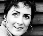Ester Brohus Country og visesanger. Danmarks Dolly Parton