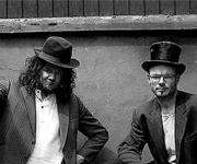 Hawkeye and Hoe Folkemusik bodegamusik mere vild end nogensinde