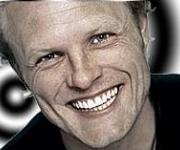 Jakob Sveistrup sanger og vinder af Dansk Melodi Grandprix med sange Tænder på dig