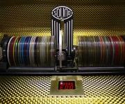 Her har man muligheden for at leje sig en jukebox med alle de gode numre på. En sikker vinder til enhver begivenhed eller fest. Få nostalgien ved at se noget fra en retro tid.