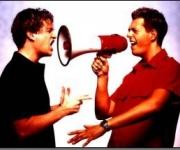 En lækker blanding af musik og komik. De her 2 drenge fremfører alt fra 50'erne til moderne musik. Genial underholdning