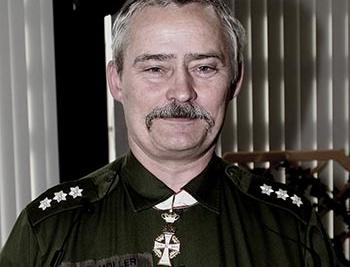 Lars R. Møllers fantastiske militær karriere med mere