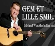 Michael Winckler, søn af den mere kendte Gustav Winckler har opbygget sit eget repertoire med unikke numre som har sat sig på Dansk-toppen op til flere gange