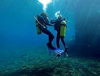 Kurs mod fjerne kyster - Sejlbåden Havanna renses i bunden