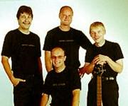 New Eagle blev grundlagt i 1987 og spiller musik til maden, til festen eller til koncerten.