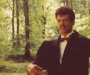 Orla Andersen har været i gang siden 1983! Han synger og indspiller selv musikken og har således altid mulighed for at lave om hvis festen eller lign. kræver det