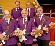 Hør og se det legendariske band: The Cliffters med Johnny Reimar i spidsen - 50 år med pigtrådsmusik på internationalt niveau!