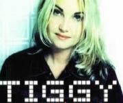 Tiggy alias Charlotte Vigel kommer fra bornholm og har bl. a. lavet det kendte nummer