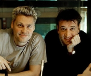 Timm Vladimir og Gordon Kennedy er især kendt for deres ungdoms-TV-program Transit, hvor de altid sluttede med: Godnat og sov godt