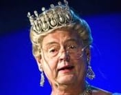 Ulf Pilgaard som hendes majestæt Dronning Margrethe