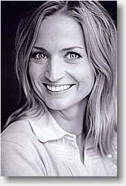 Annette Heick datter af Keld og Hilda Heick, men helt sin egen. Solist sangerinde og stort sprogtalent.