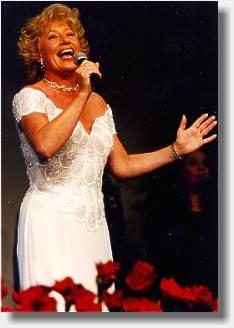 Birthe Kjær Dansktoppens dronning charmerende og populær sangerinde